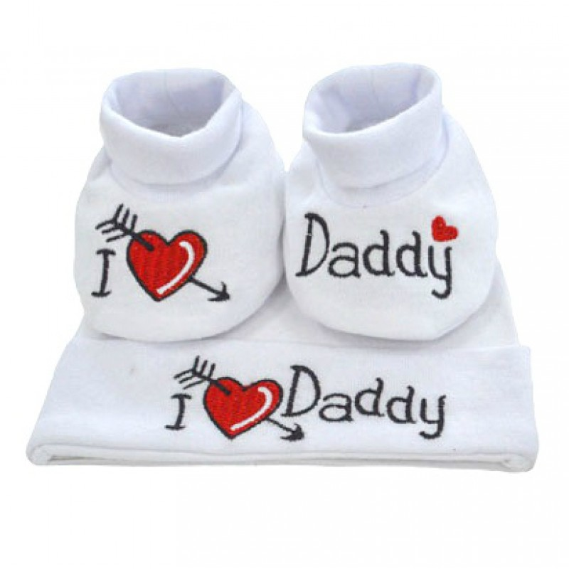 Set caciulita si botosei - I love Daddy krbaby.ro