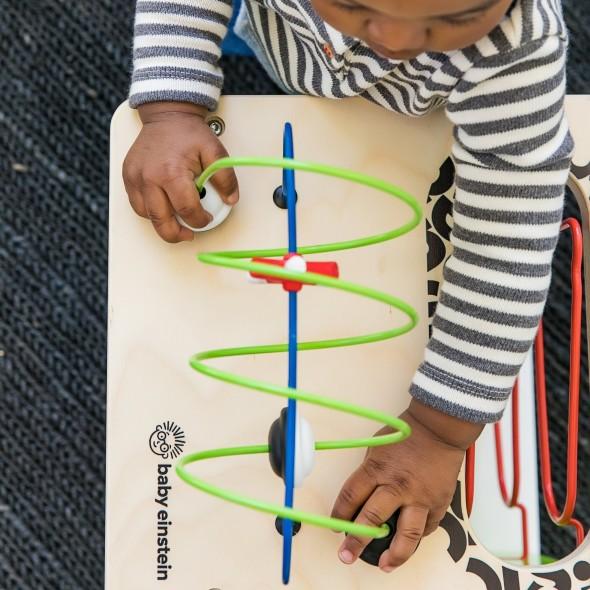 Centru de activitati - Baby Einstein Hape Innovation Station