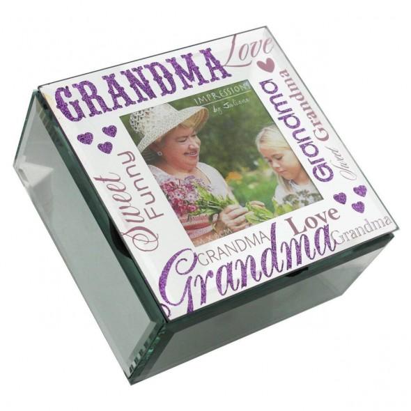 Cutie bijuterii pentru bunica