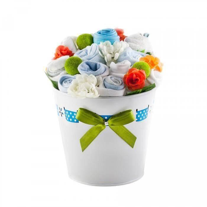 Buchet de flori din hainute pentru baietei - 11 piese